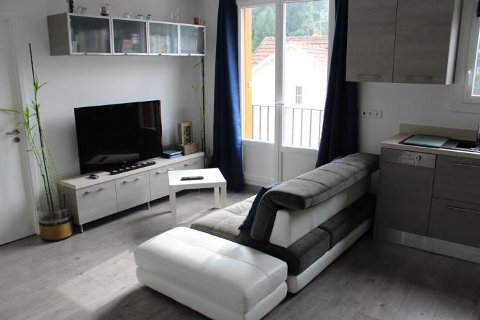 Optimiser un petit salon quelques id es utiles pour bien - Comment meubler un salon carre ...
